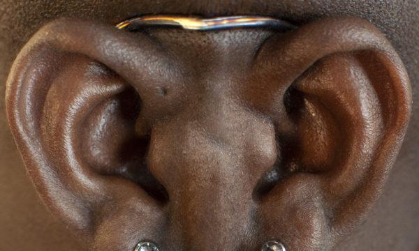 Симметрия пирсинга мочек